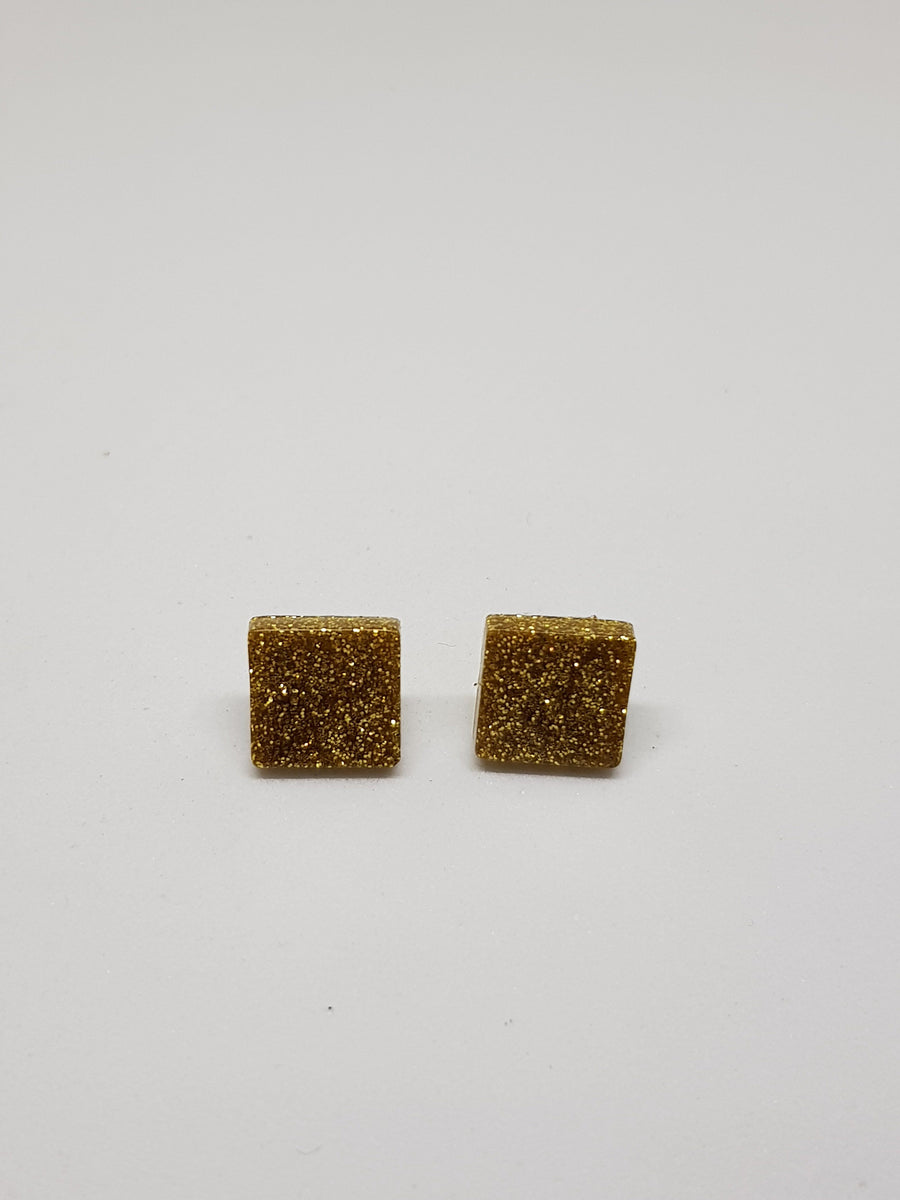 Studs | Glitter Gold Squares 15 mm Earrings Green Avenue