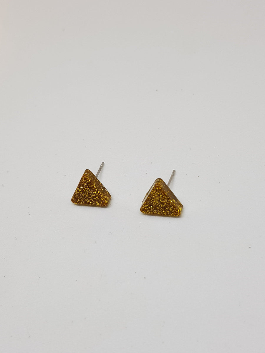 Studs | Glitter Gold Triangles 10 mm Earrings Linart Designs