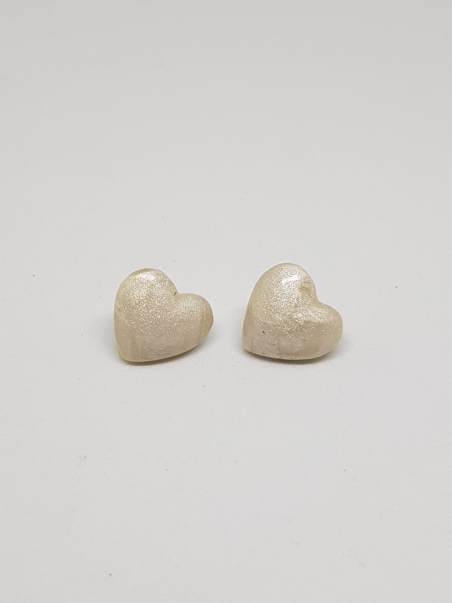 Studs | Mother Of Pearl Hearts 15 mm Earrings Gray.Label