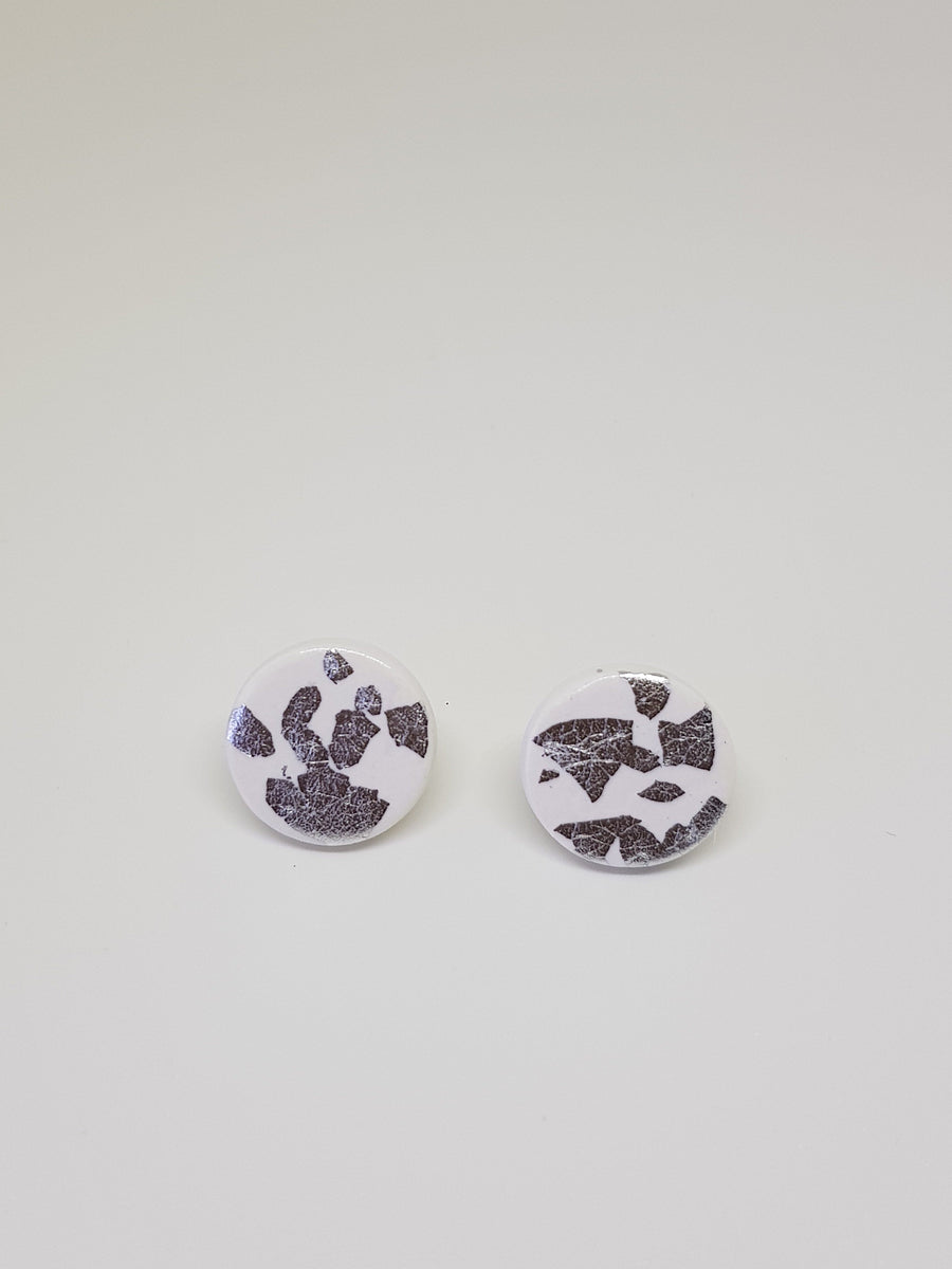Studs | White With Silver 15 mm Earrings Linart Designs