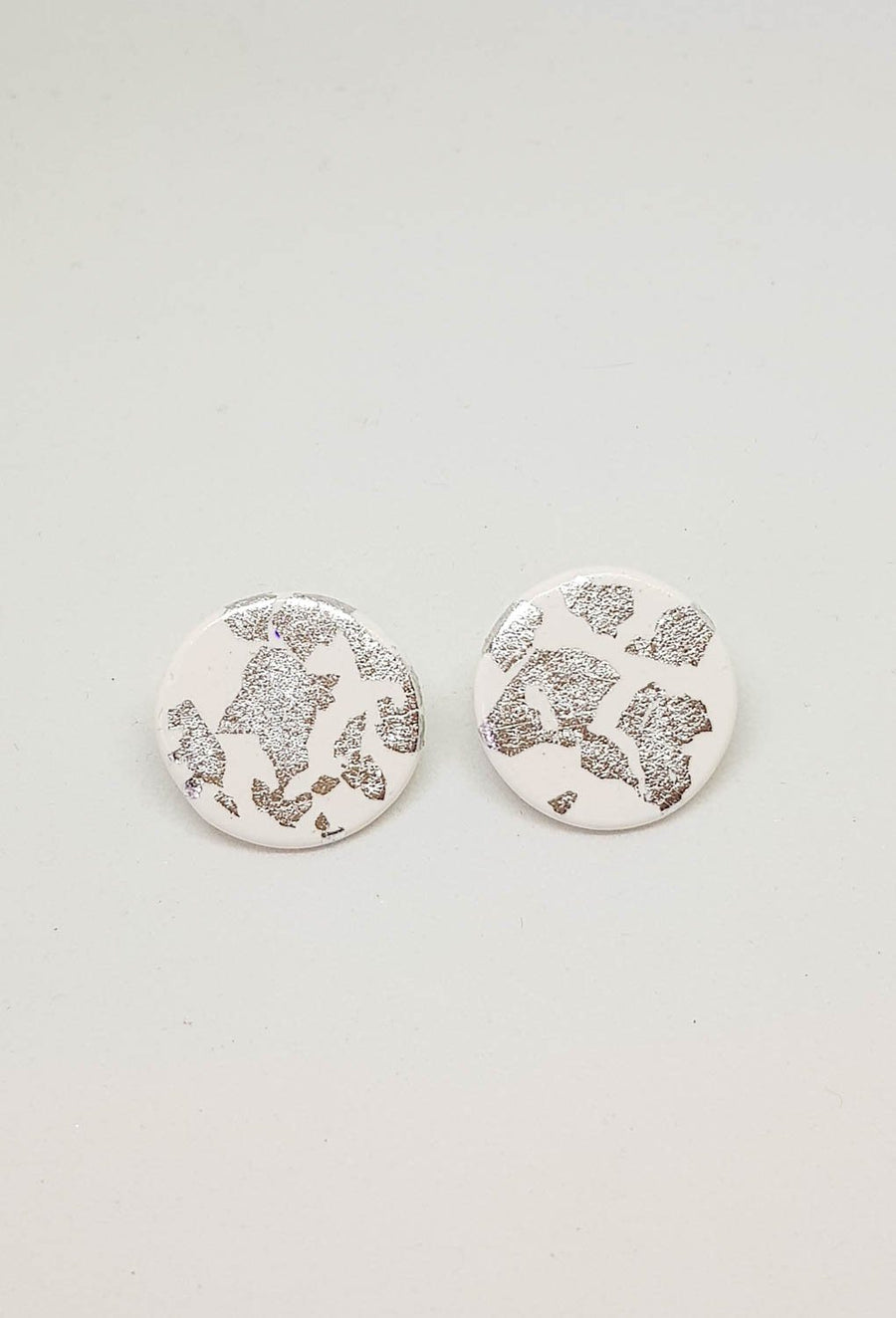 Studs | White With Silver 21 mm Earrings Gray.Label