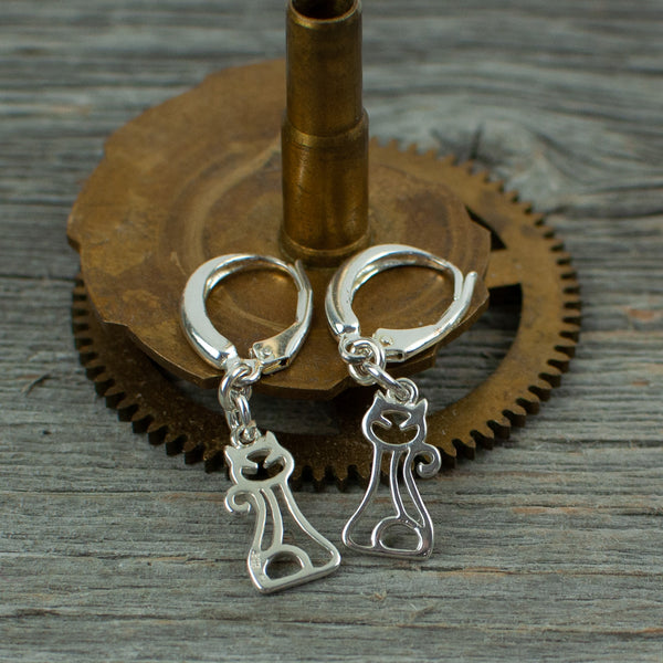 Cat charm Silver earrings