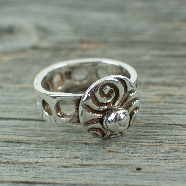 Swirl Ring with Silver Nugget and Hole band