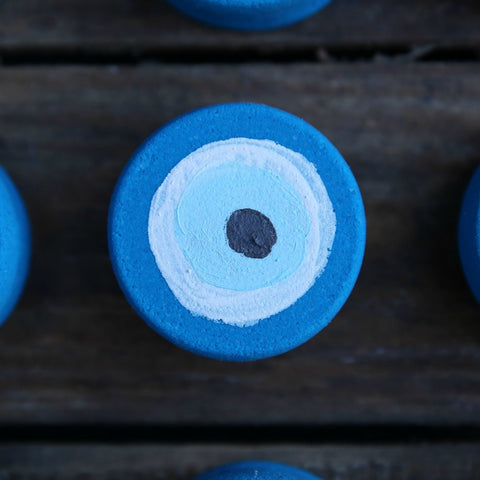 Dolly Moo Evil Eye Bath Bomb