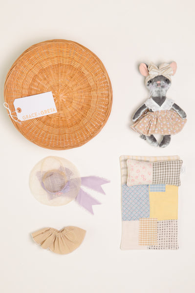 Heirloom Girl Doll // Rainbow Mod
