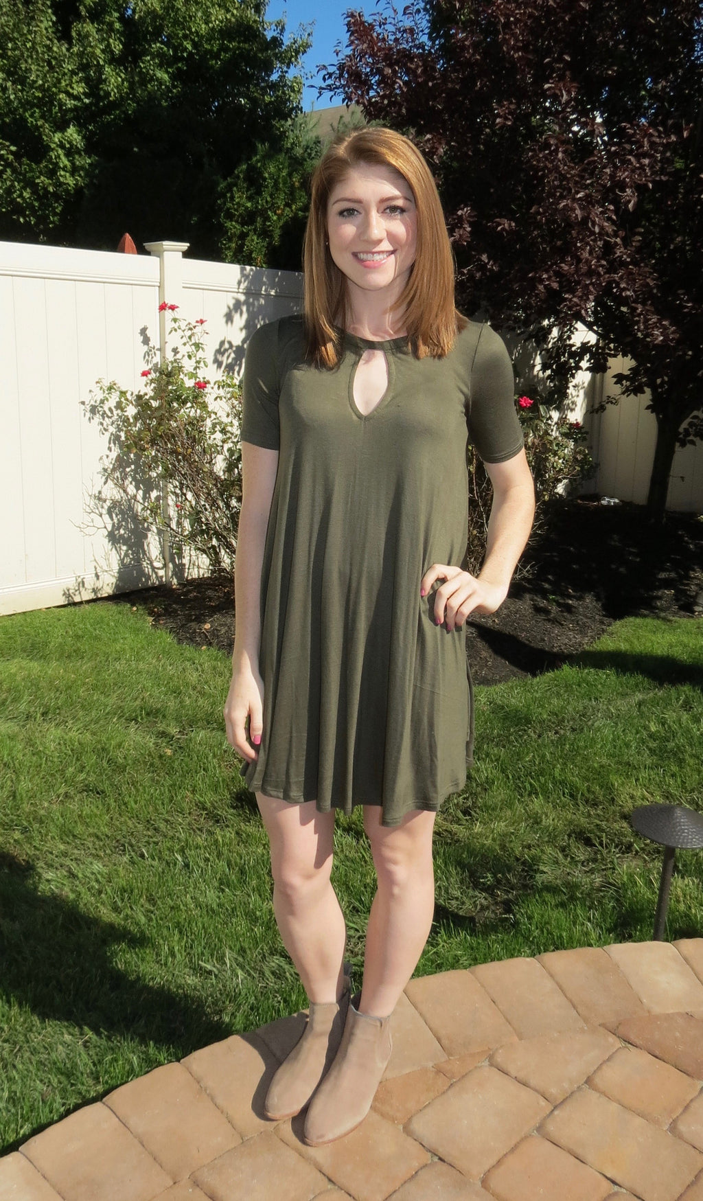 Short Sleeve Keyhole Dress - Olive