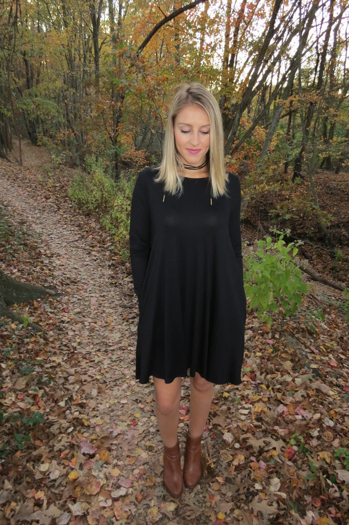 LONG SLEEVE SOLID POCKET KNIT DRESS - BLACK