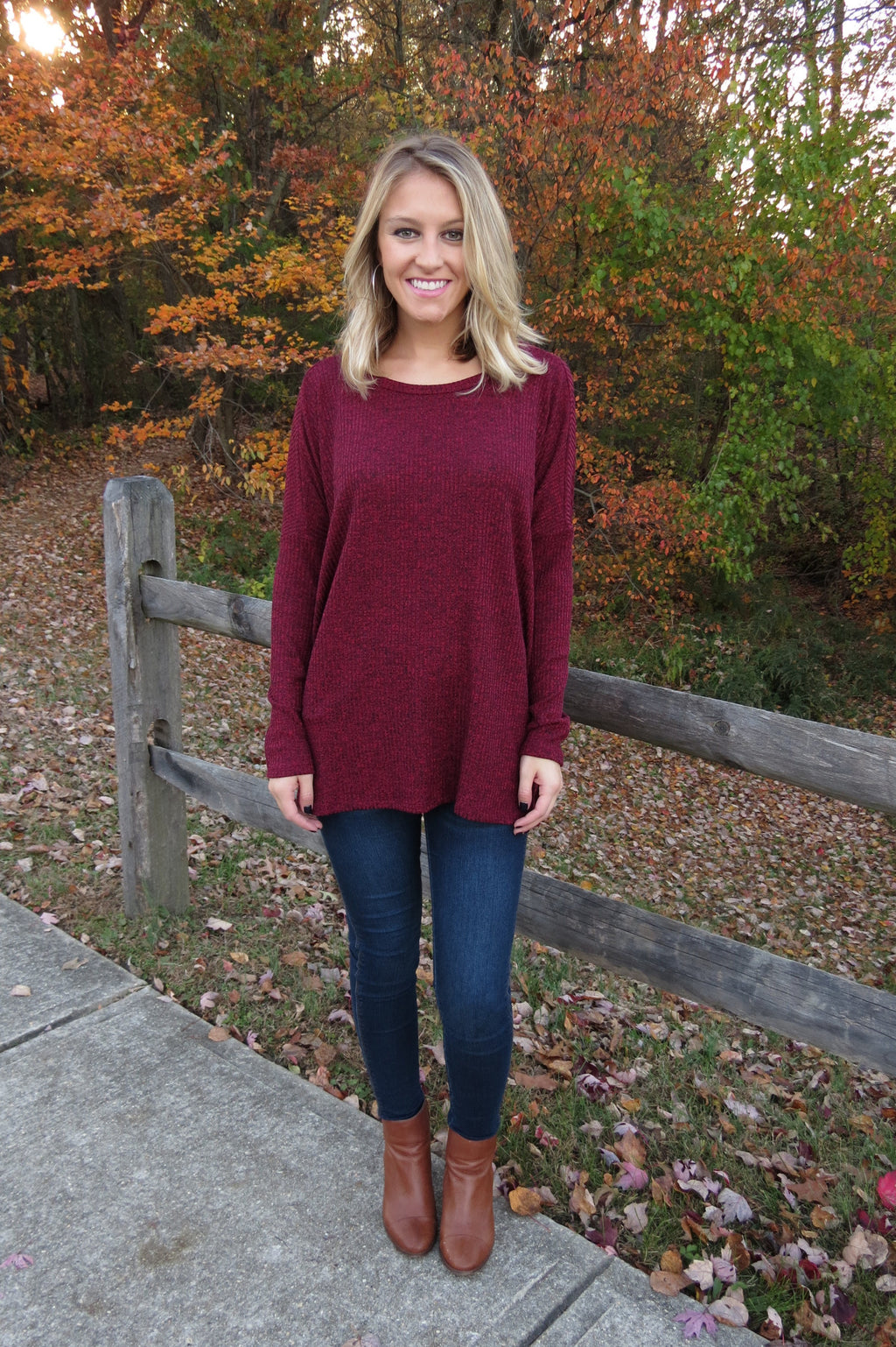 OVERSIZED KNIT SWEATER - WINE