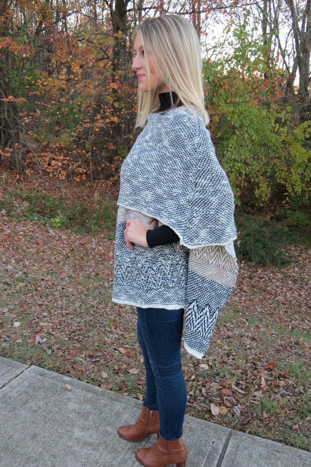 NAVY MIXED PRINT KNIT PONCHO