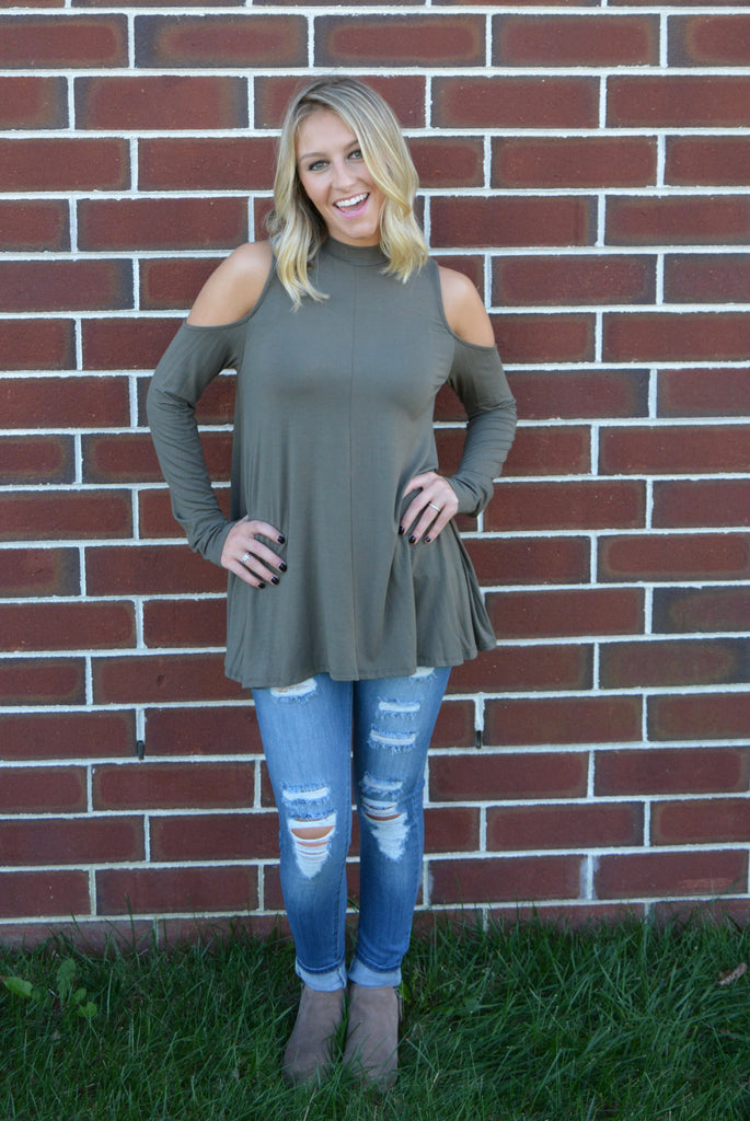 e80e1d58f7d6d MOCK NECK COLD SHOULDER TOP - Olive – 13 Trends Boutique