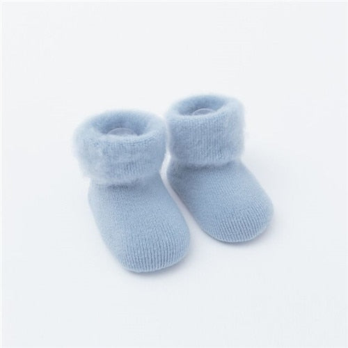 Baby's Warm Winter Sock Boots - ages 0 to 24months - petitelapetite