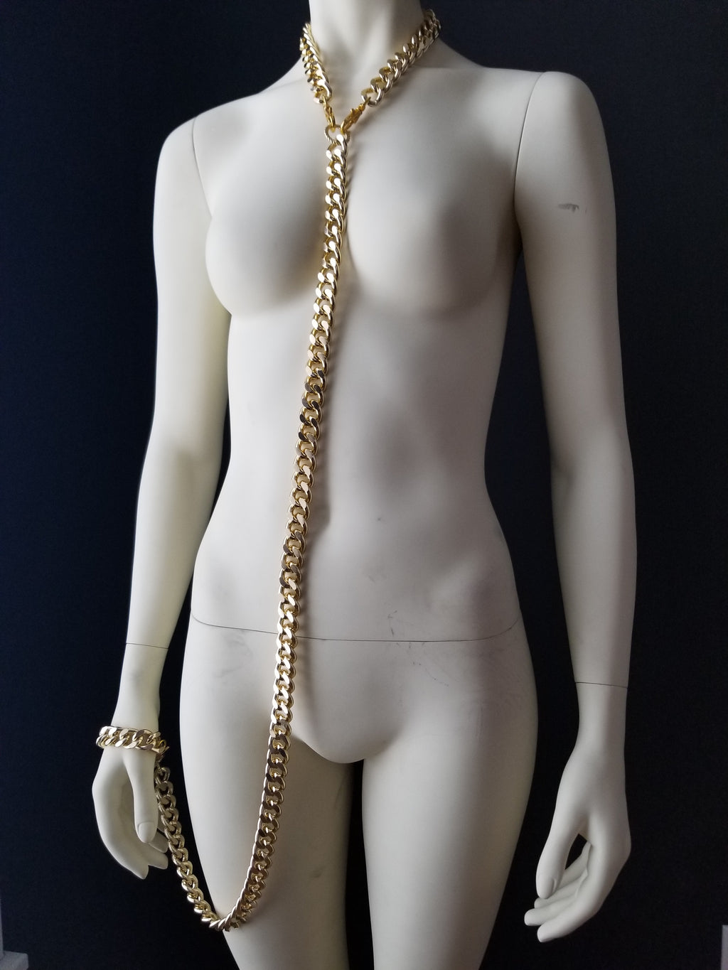 Shop FWHLR bodychains, jewelry and accessories. Our women's statement jewelry is influenced by hip hop and rap style and culture.  All bodychain jewelry is made of thick gold chain making it durable, versatile and bold. Designed for the baddie in every woman.