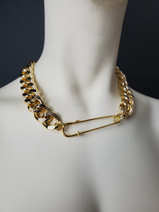 Safety-Pin Choker