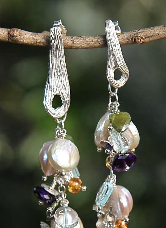 Celebrate, Celebrate, Dance: Dangle Earring-Pearls Gems