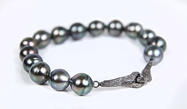 Night of a Thousand Stars: Bracelet-Black South Sea Pearls Black Diamonds Gold