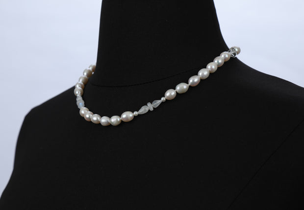 Oh My, I'm Blushing: Princess Necklace-Pearls Moonstone Gold