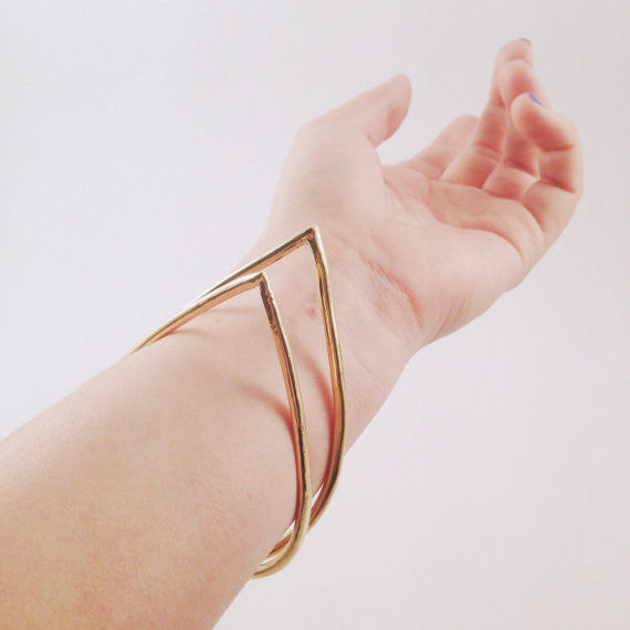 Golden Teardrop Bracelet