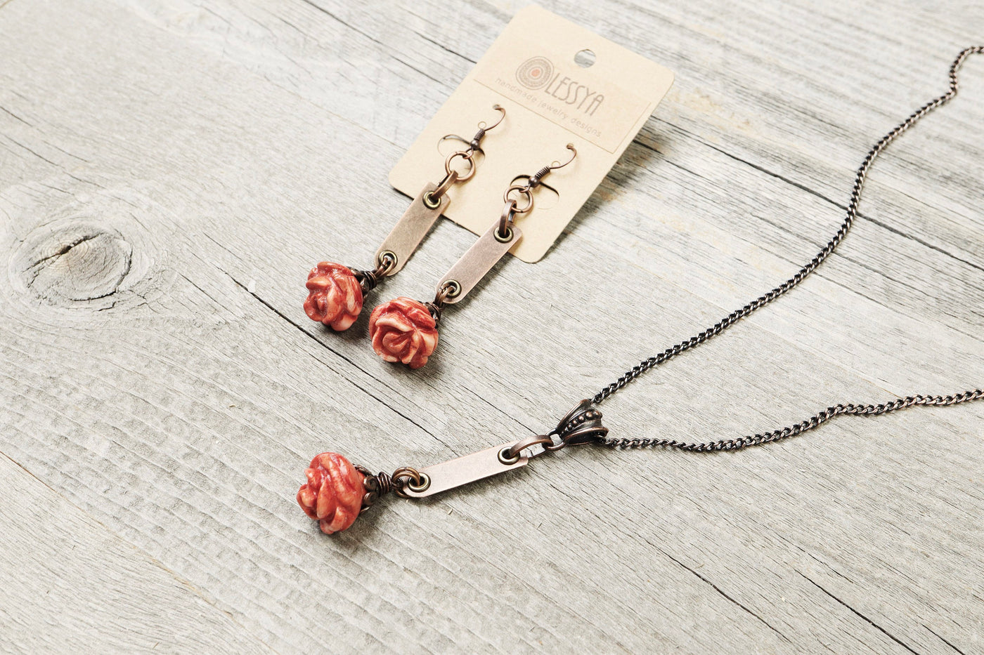 Red Rose Nacre Mother of Pearl Necklace - Mother's Day Gift for Her Lovely Elegant Wife Girlfriend Daughter Pendant Cute Boho Jewelry Set