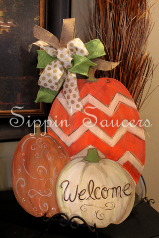 "Pumpkin Door Hanger ""Welcome"""
