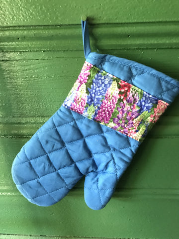 Oven Mitt Lupine / blue / purple, pink, blue, green