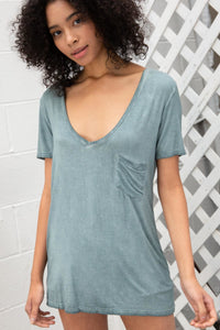 Betty Basic V-neck in Blue Sage