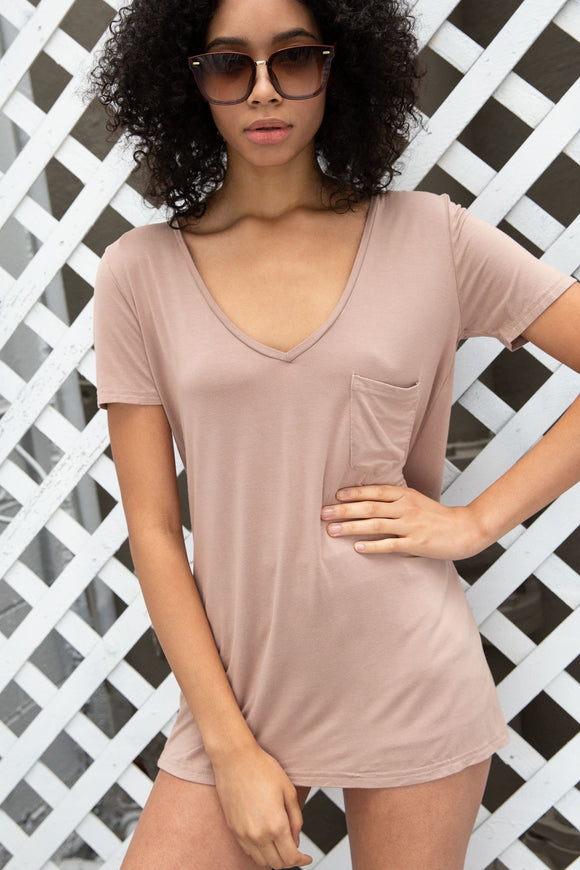 Betty Basic V-neck in Beige