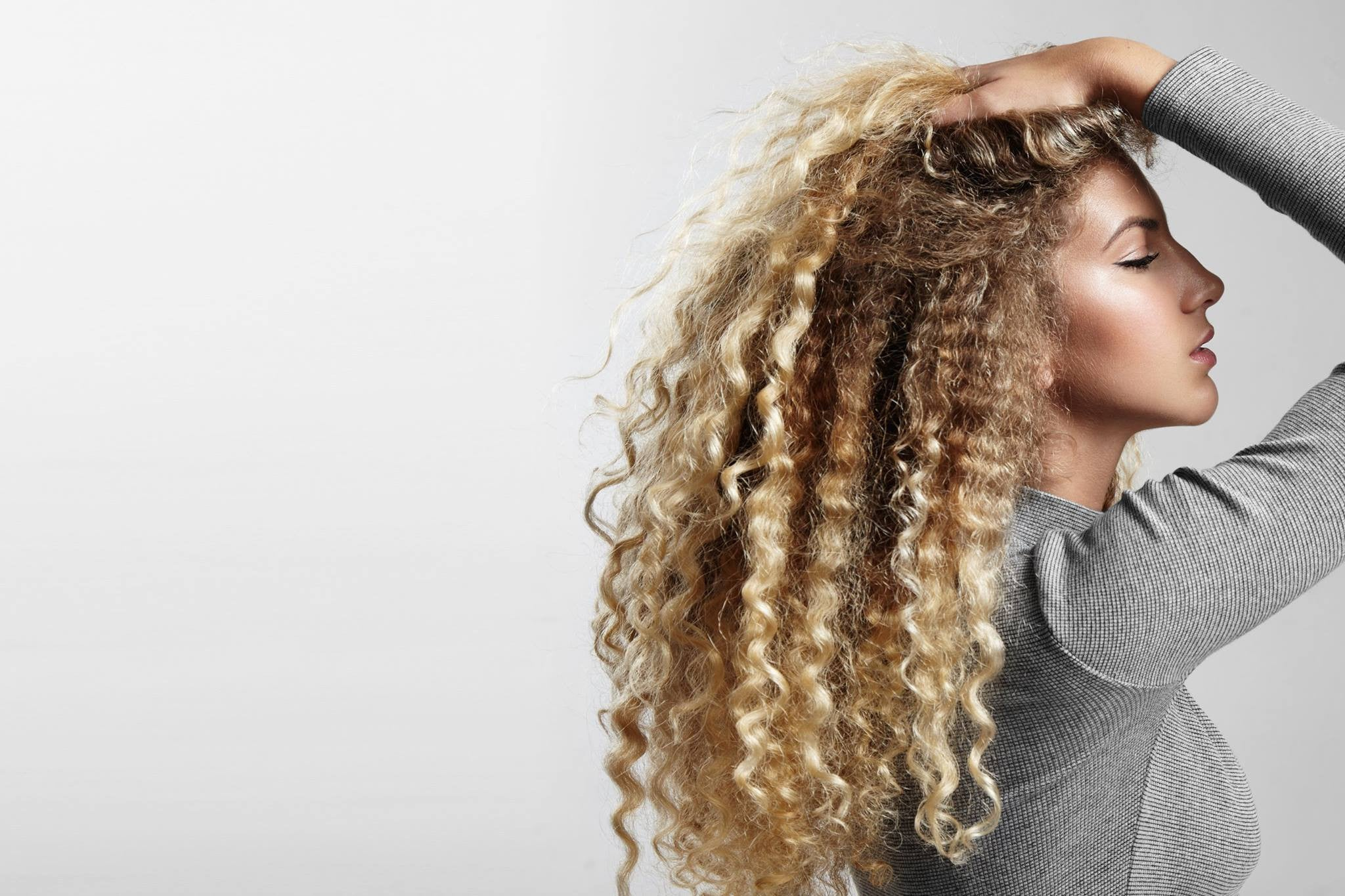 How to treat your Dandruff or Dry Scalp condition