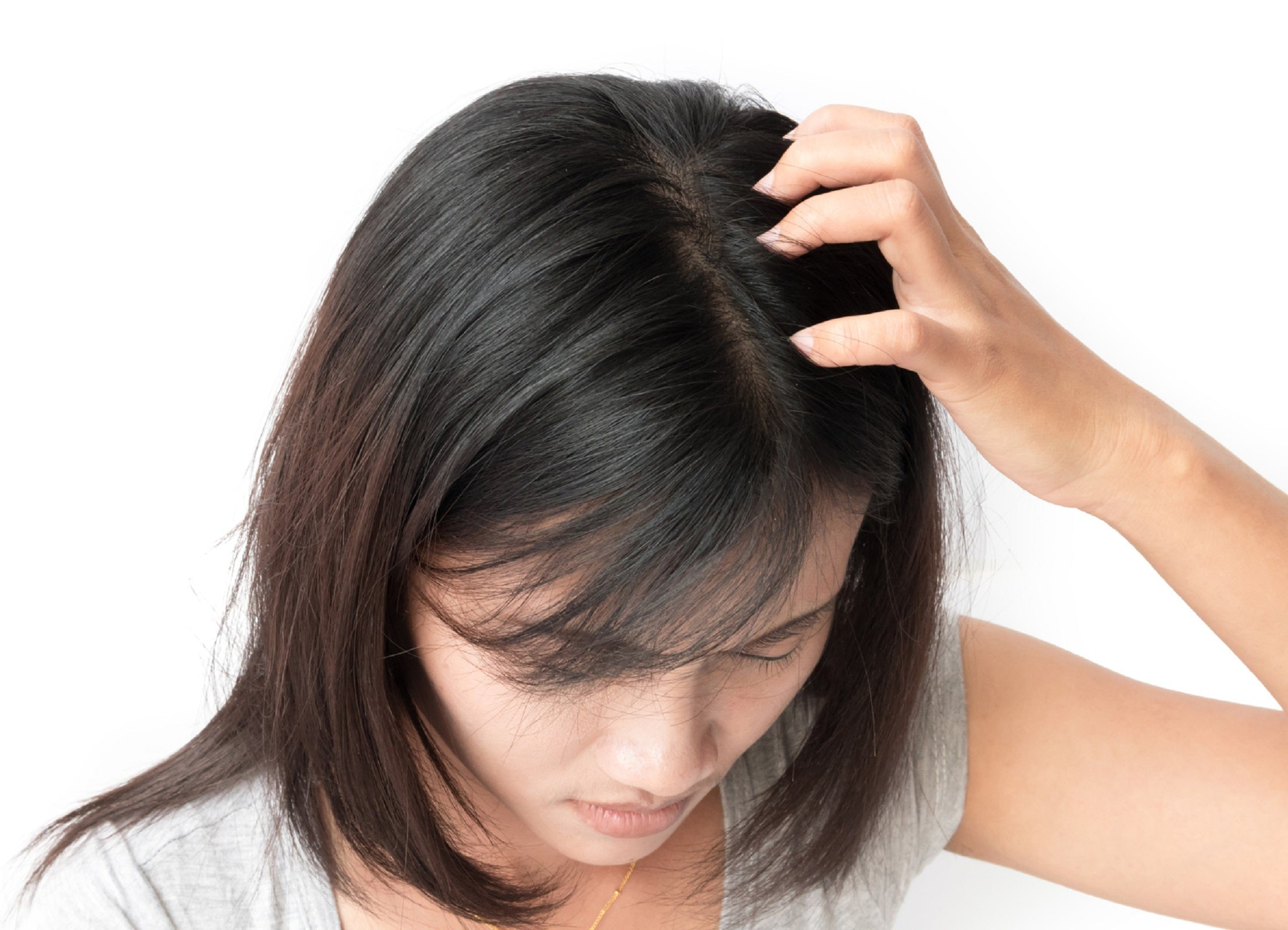 5 Tips and 5 Steps to Combat Scalp Dryness