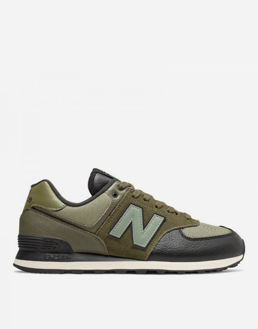 New Balance 574 Classic Outdoor Pack Sneaker