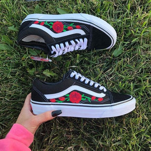 Black Vans Old Skool Red Roses