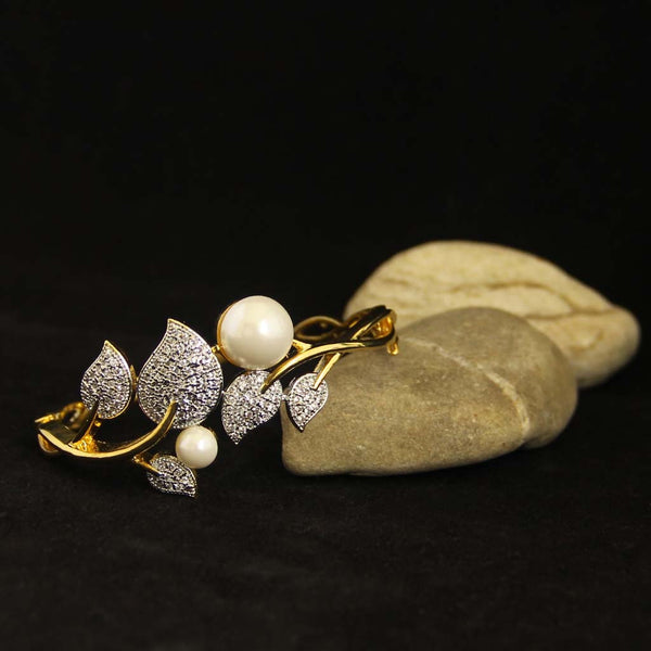 Golden Kundan Bracelet With Pearl