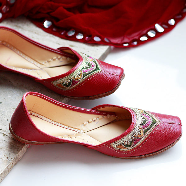 Juttis With Embroidered Front