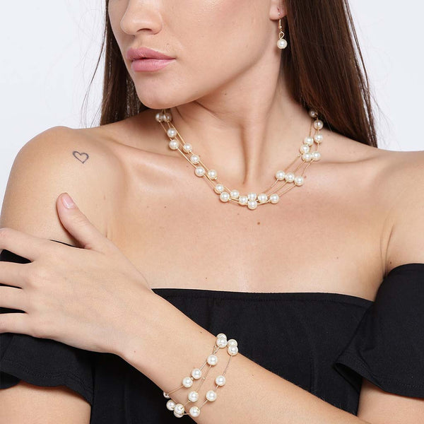 Triple Layered Pearl Necklace Set