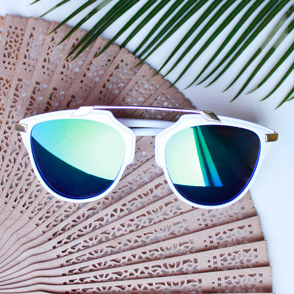 Metallic Bridge Wanderer Sunglasses : White-Green