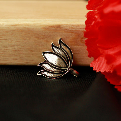 Silver Tone Lotus Shaped Nose Pin