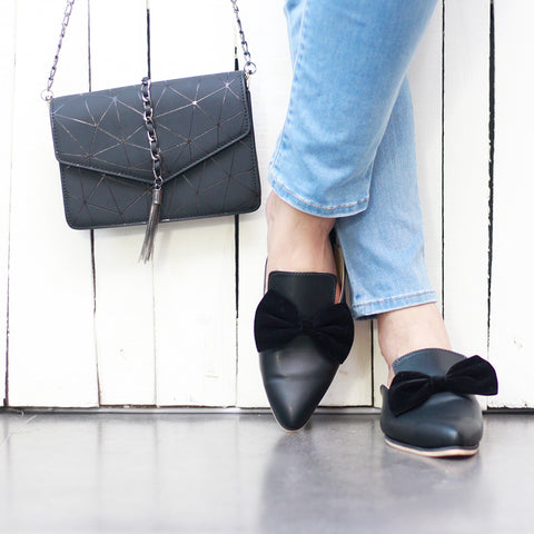 Contrast Bow Detail Mules