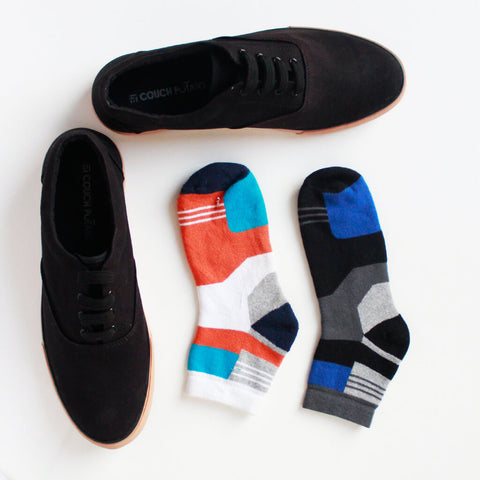 Lace Up Sneakers (Black) & Pack of 2 Socks for Men