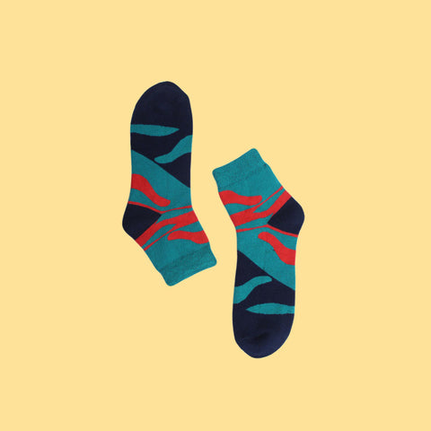 Funky Unisex Fizz Socks: Waves on Blue
