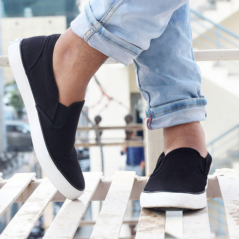 Funky Casual Slip On Sneakers : Black