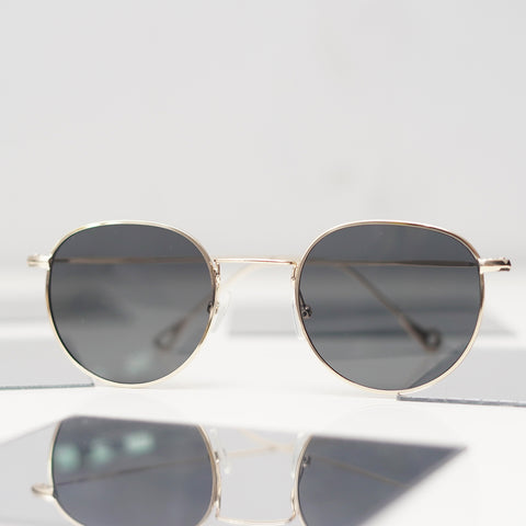 Classic Oval-shaped Sunglasses