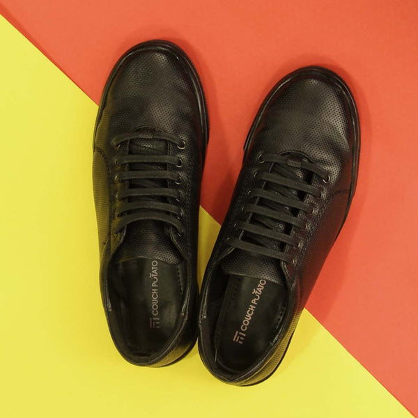 Trendy Lace Up Sneakers With Textured Surface - Black
