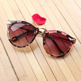 Printed Round Wanderer Sunglasses : Dark Red