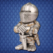 Shorty English Knight Statue