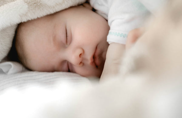 5 key tips to keep baby's bedtime routine intact when you're away from home