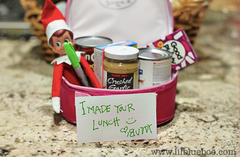 Elf on the shelf packing lunch