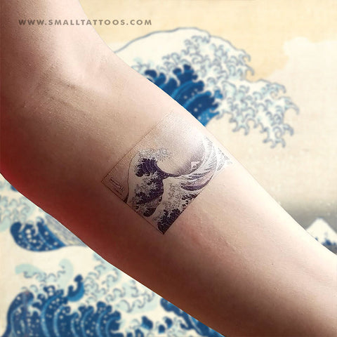 Hokusai's The Great Wave off Kanagawa Temporary Tattoo (Set of 2)
