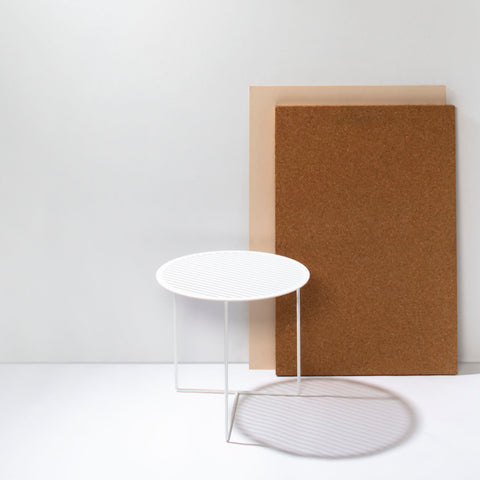 Grid 01 Side Table – White – buy at GUDBERG NERGER Shop