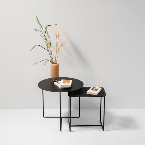 Solid 01 Side Table – Black – buy at GUDBERG NERGER Shop