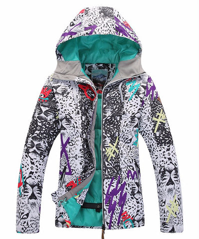 Geometric print pattern with graffiti drawing snowboard and ski jacket