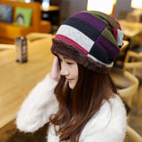 Stripe pattern ladies beanie with plush hem